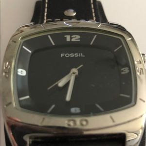 Men's Fossil watch with color changing face..